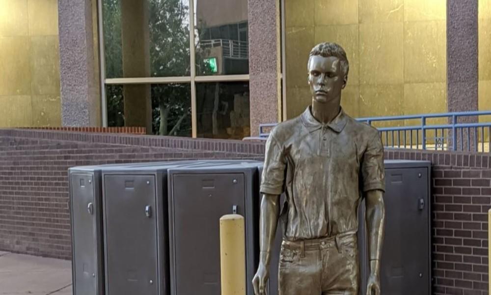 """USA: """"Denkmal"""" für Sexverbrecher Jeffrey Epstein in New Mexico aufgestellt - und wieder entfernt"""