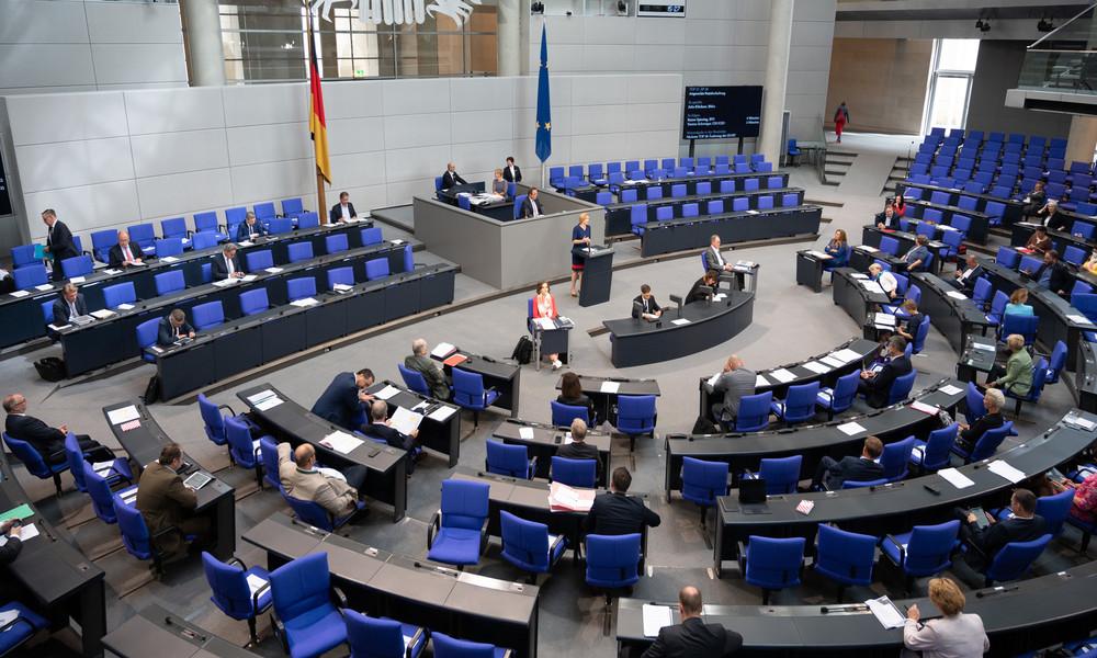 """Bundestag stellt """"Upskirting"""" unter Strafe"""