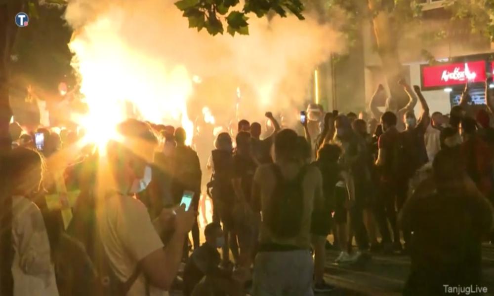 Nach Anti-Lockdown-Protest: Wieder Unruhen und Ausschreitungen in Belgrad