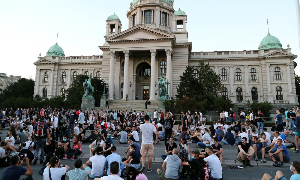 """Proteste in Belgrad: """"Wir glauben dem System einfach nicht mehr"""""""