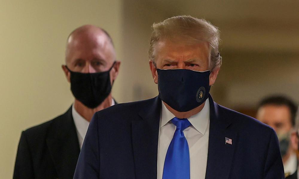 Donald Trump trägt erstmals Mundschutz in Öffentlichkeit