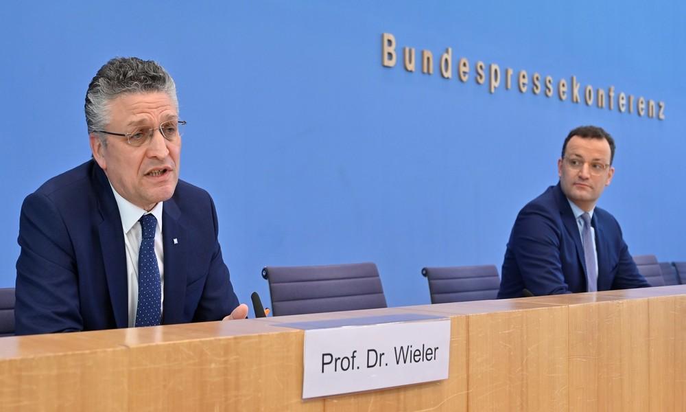 LIVE: Pressekonferenz mit Jens Spahn zu Reisen in den Sommerferien