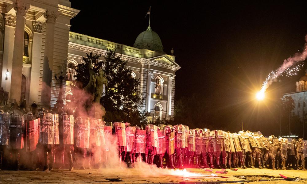 """Serbischer Präsident dementiert Berichte über """"russische Spur"""" bei Belgrader Protesten"""