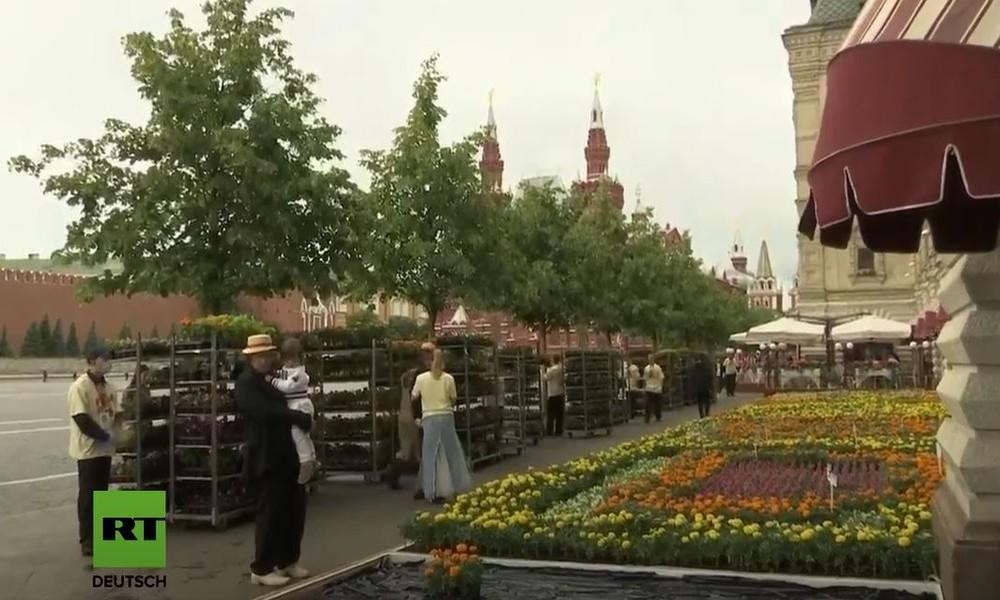 LIVE: Moskau - Blumenfest auf dem Roten Platz