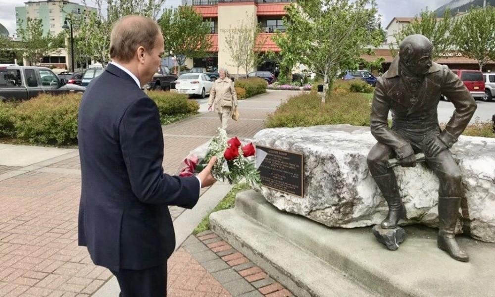 Denkmal für Verwalter der russischen Siedlungen in Amerika soll Stadtzentrum von Sitka verlassen
