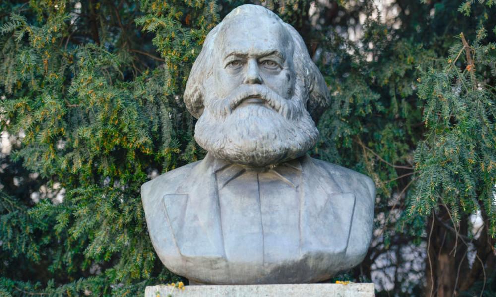 Marx-Denkmal verhüllt: Staatsschutz ermittelt gegen Beatrix von Storch