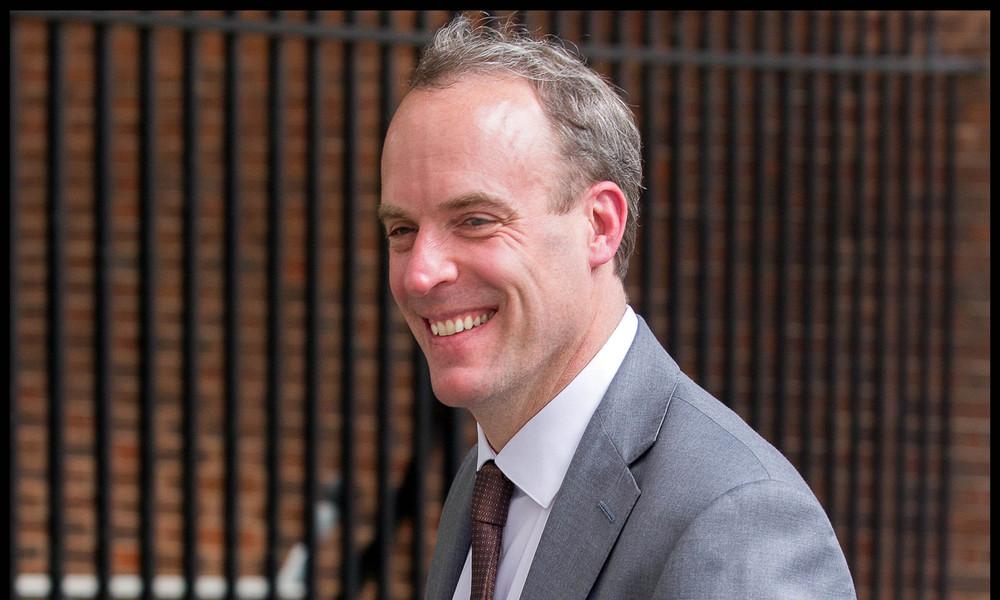 """Britischer Außenminister beschuldigt Russland: Wahleinmischung """"fast sicher"""""""
