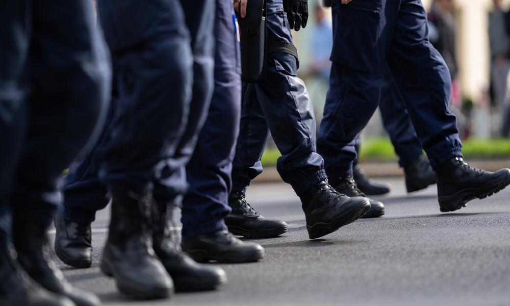 Wien: Acht Polizisten nach tätlichem Angriff suspendiert