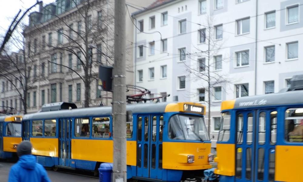 Kontrolleur würgt Fahrgast: Gewaltsame Auseinandersetzung wegen Schwarzfahren in Leipzig