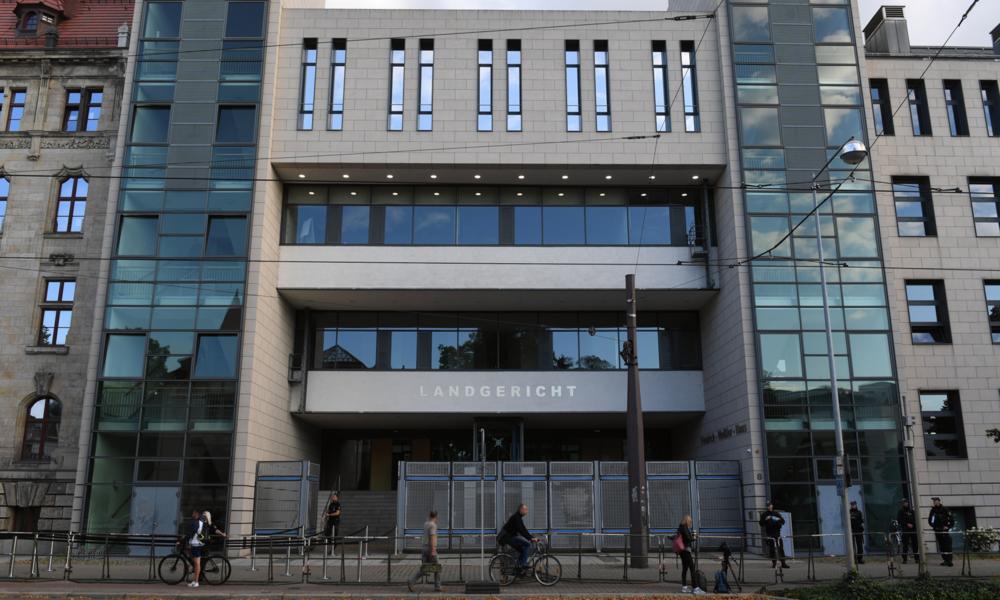 LIVE: Prozess gegen den Attentäter von Halle startet in Magdeburg – Proteste erwartet