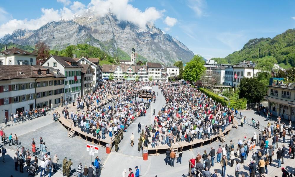 Corona-Streit im Schweizer Kanton Glarus: Wer Fieber hat, darf nicht wählen