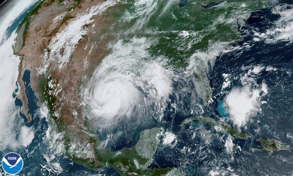 """Hurrikan """"Hanna"""" trifft in Texas auf Land"""
