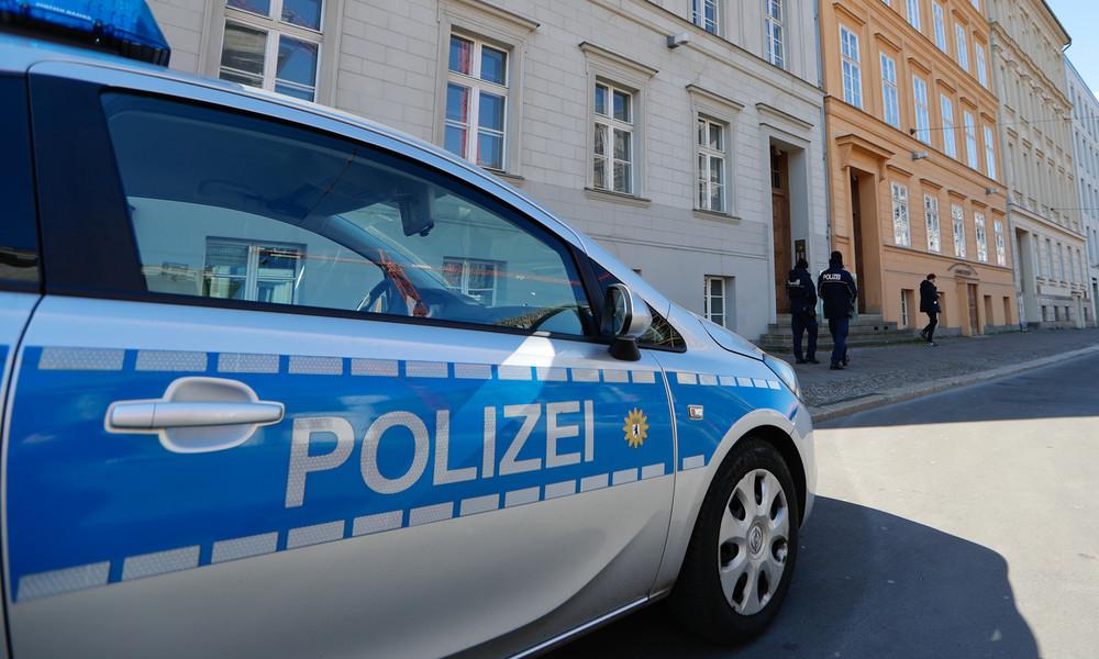 """Affäre um """"NSU 2.0""""-Drohmails: Ex-Polizeibeamter aus Bayern und Ehefrau vorläufig festgenommen"""