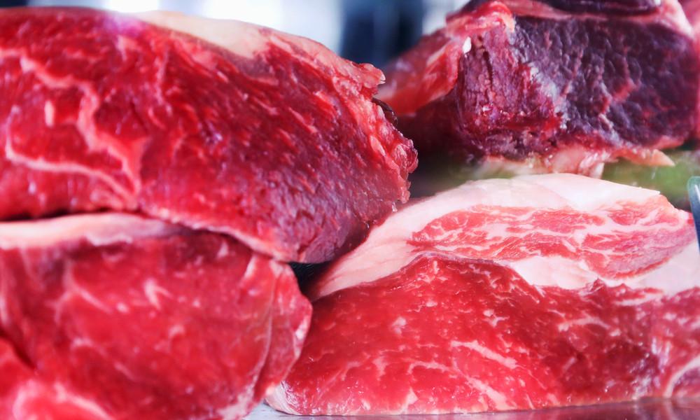 Lückenhafte Regulierung? Regierung beschließt schärfere Regeln für Fleischbranche