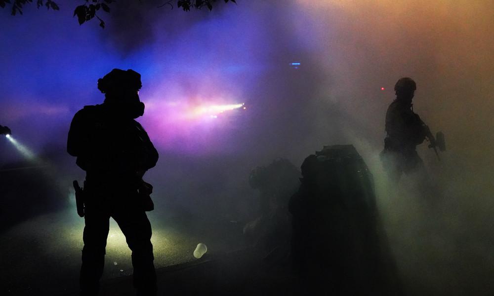 Trotz Bedenken der UN: Britische Regierung liefert wieder Tränengaswaffen an USA