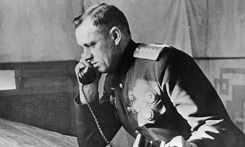 Polen: Unbekannte stehlen und enthaupten Denkmal des sowjetischen Marschalls Rokossowski