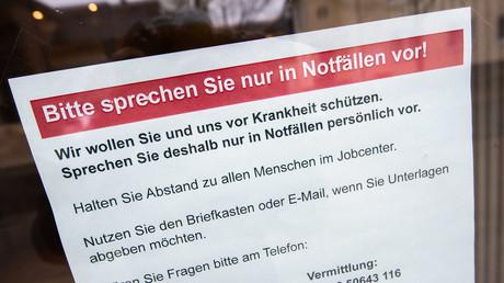 Informationsaushang am Jobcenter im niedersächsischen Lehrte, 30. März 2020