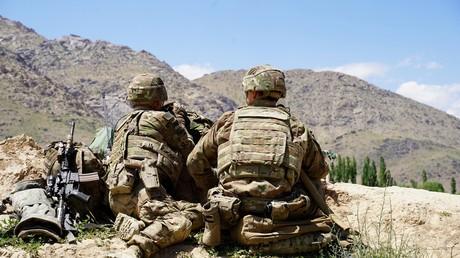 Archivbild: US-Soldaten in Afghanistan im Bezirk Nerkh in der Provinz Wardak beobachten das Gelände (6. Juni 2019)