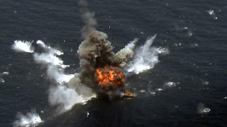 Eine Rakete trifft während eines iranischen Manövers ihr Ziel. Wie ein Brigadegeneral der Iranischen Revolutionsgarde nun enthüllte, verfüge der Iran über
