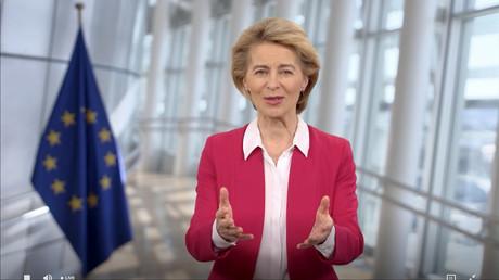 Dienstlich? Privat? Kaum zu unterscheiden: Kommissionspräsidentin Ursula von der Leyen im Mai 2020 in einem Video der Weltgesundheitsorganisation