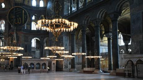 Türkei: Hagia Sophia zur Moschee machen – Vorsteher der Russisch-Orthodoxen Kirche kritisch (Kathedrale der Heiligen Sophia in Istanbul, Innenansicht, 05.07.2020)