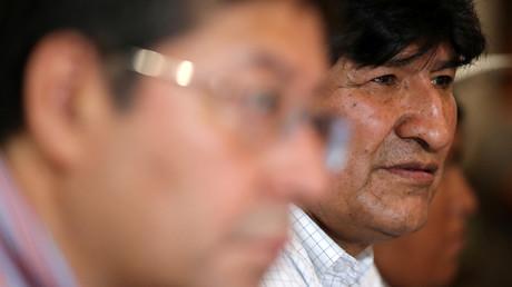 Der ehemalige bolivianische Präsident Evo Morales (rechts) bei einem Auftritt in Buenos Aires
