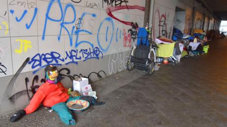 Auf der Straße lebende Kinder sieht man selten: Obdachlose am Berliner Ostbahnhof im Januar 2020
