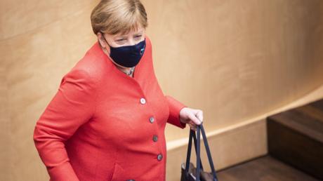 Eine Befürworterin der Maskenpflicht und neuerdings sogar selbst öfter mit Maske zu sehen: Bundeskanzlerin Angela Merkel am vergangenen Freitag im Bundesrat
