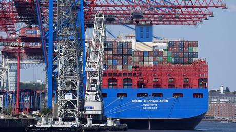 Das chinesische Containerschiff