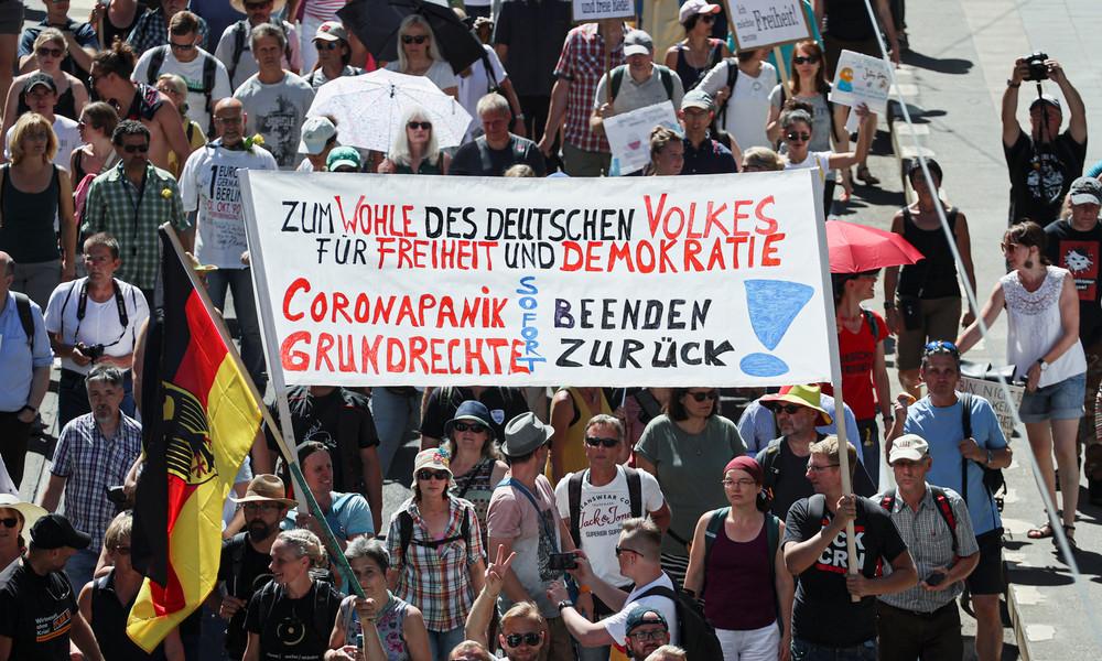 """LIVE: Demos und Gegendemos in Berlin – """"Ende der Pandemie – Tag der Freiheit"""""""