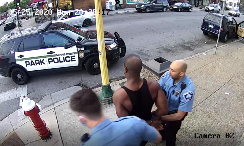Körperkamera-Aufnahmen mit weiteren Details von George Floyds Verhaftung aufgetaucht