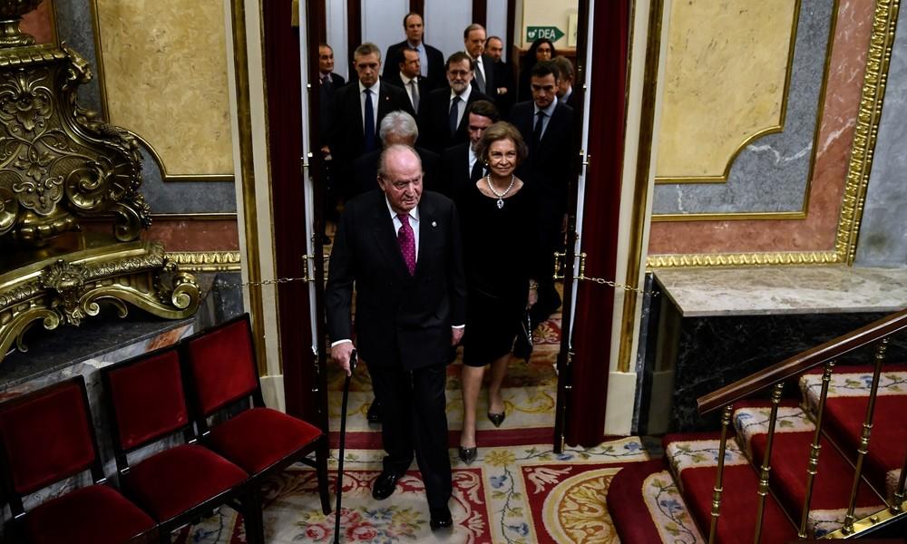 Ermittlungen wegen mutmaßlicher Schmiergeldzahlung: Spaniens Ex-König Juan Carlos geht ins Exil