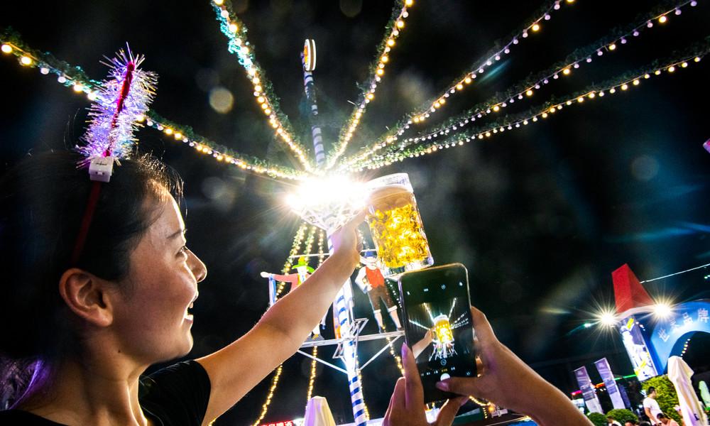 Es gibt viel Bier in Qingdao: China feiert Oktoberfest