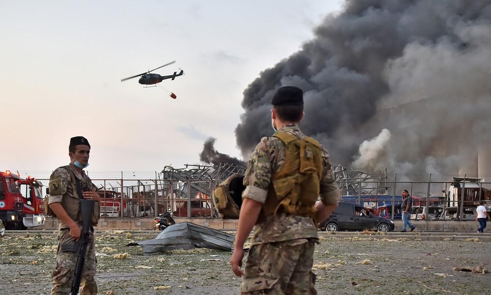 Explosionen in Beirut: Auch Hubschrauber kämpfen gegen das Flammen-Inferno