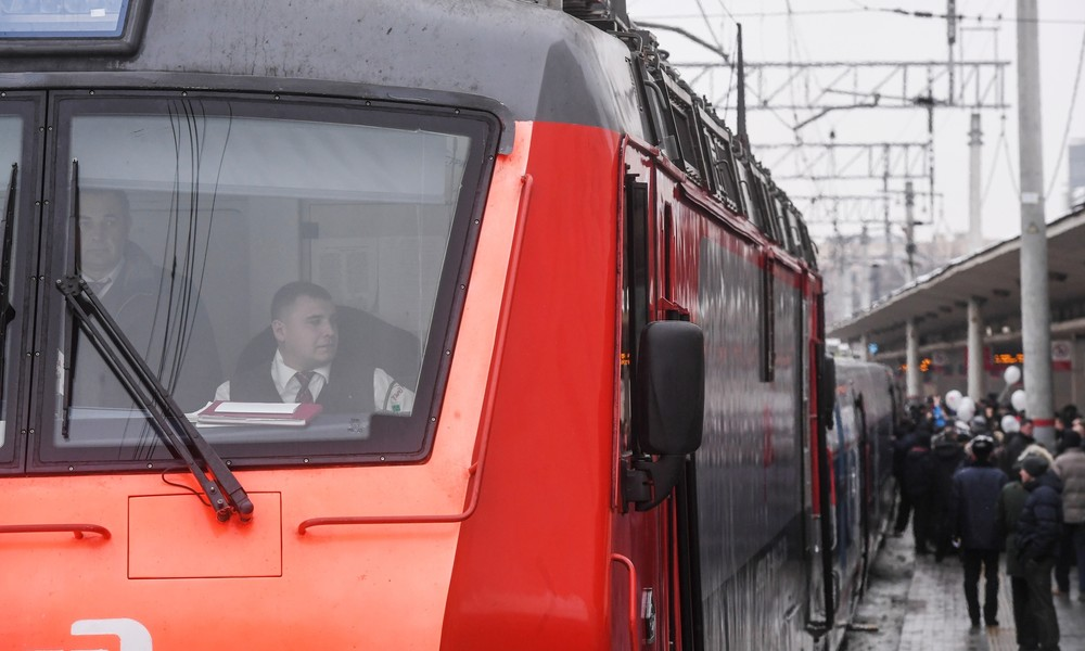 Berufsverbot aufgehoben: 21-jährige Russin wird erste Lokführerin