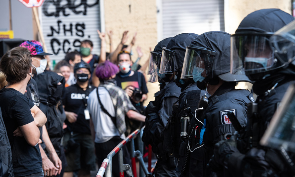 Räumung von Kiezkneipe in Berlin-Neukölln: 700 Polizisten im Einsatz