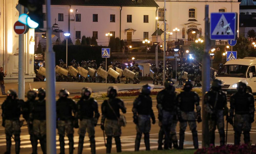 Erneut Proteste gegen Wahlergebnisse in Weißrussland: Polizei setzt Blendgranaten und Tränengas ein