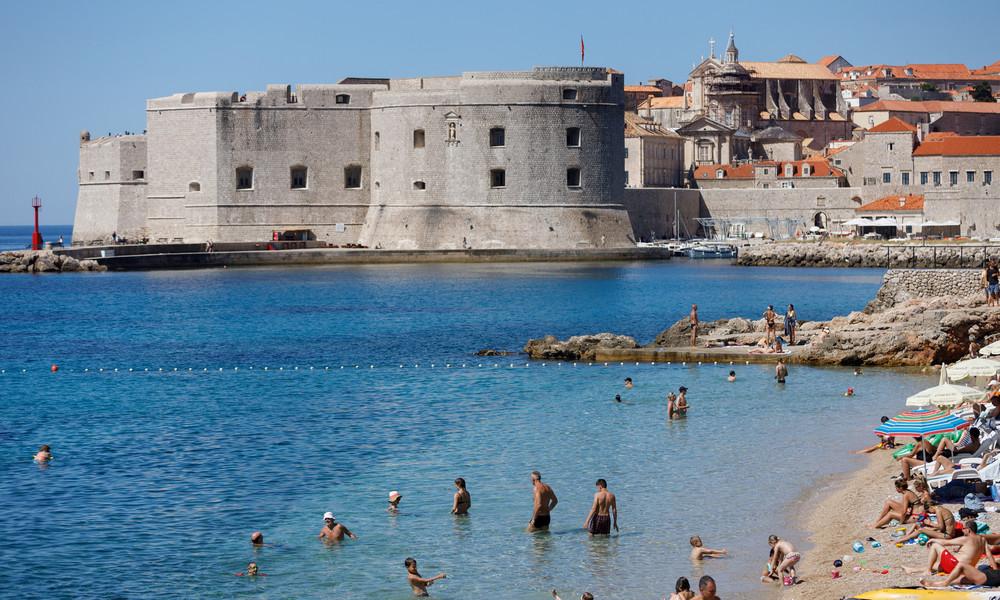 Deutsche erstürmen die kroatische Küste – trotz Kritik aus der Heimat