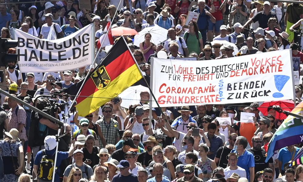 LIVE: Demonstration gegen Regierung und Anti-Corona-Maßnahmen in Hamburg