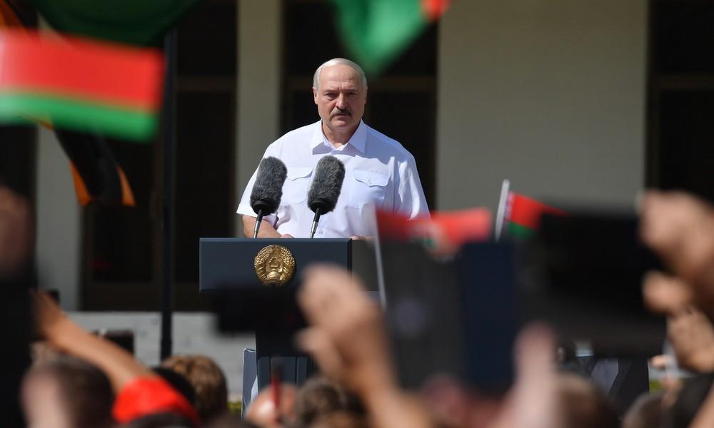 Tausende Menschen demonstrieren in Minsk für Staatschef Alexander Lukaschenko