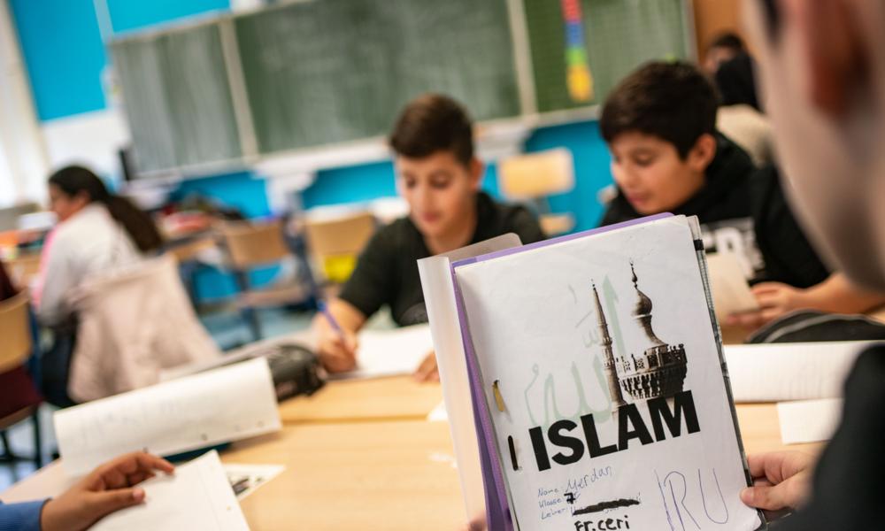 Skandal um Millionen für Islamschule in Schweden – Rektor mit Verbindungen zur Muslimbruderschaft