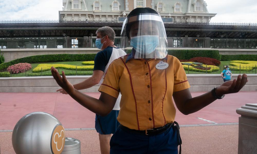 """""""Eine Schande"""": Disney World verweigert behindertem Mädchen ohne Gesichtsmaske den Eintritt"""