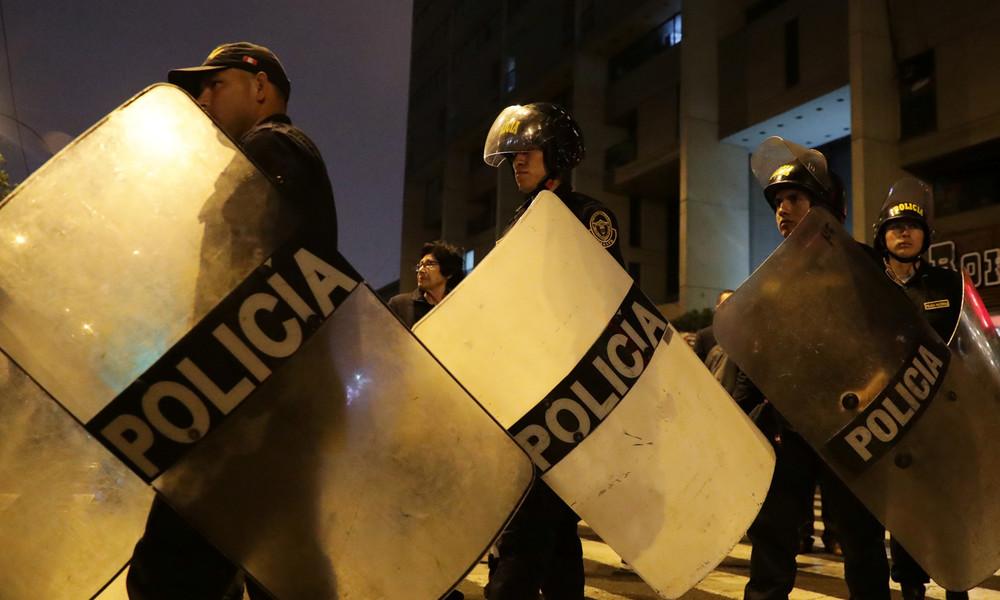 Razzia gegen Party trotz Corona-Einschränkungen in Peru: 13 Gäste sterben im Gedränge