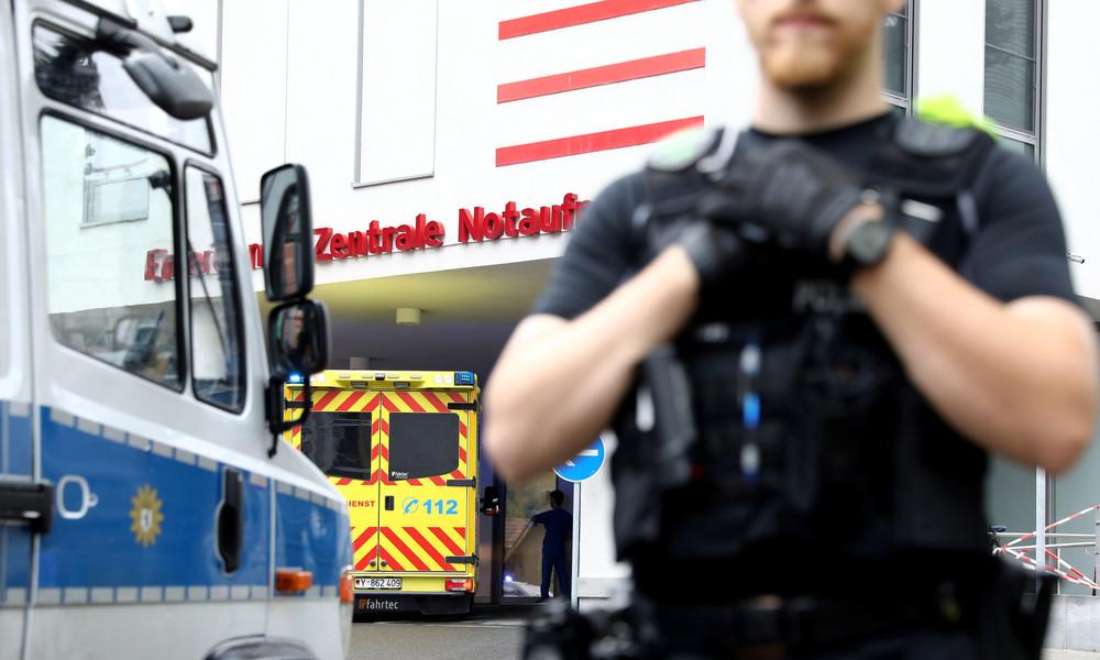 """""""Gast der Kanzlerin"""" – Alexei Nawalny mit Polizeieskorte zur Charité gebracht"""