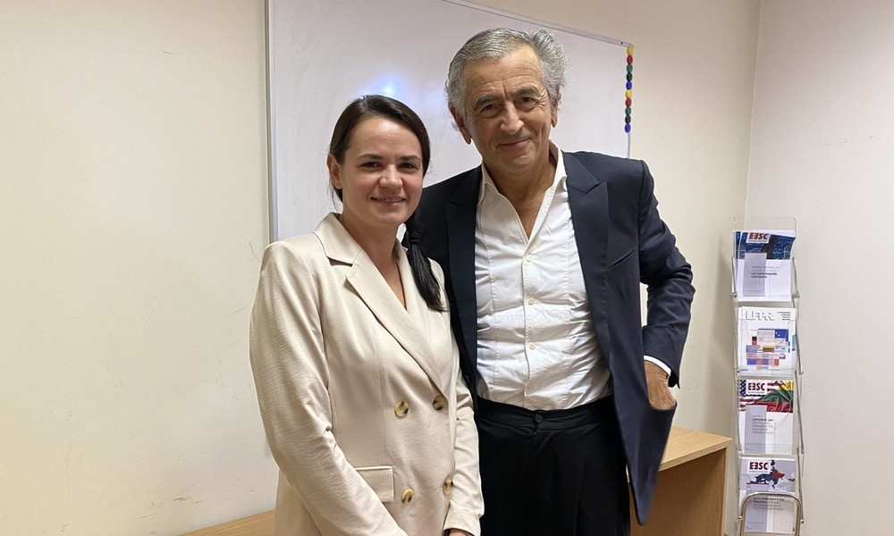 """Muse der Revolution"" – Bernard-Henri Lévy macht Swetlana Tichanowskaja zur Ikone"