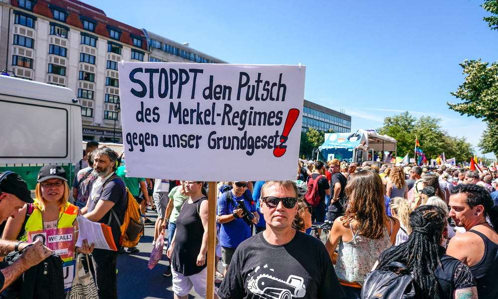 """""""Eskalation und Spaltung"""": Veranstalter der Corona-Demo in Berlin wollen gegen Verbot klagen"""