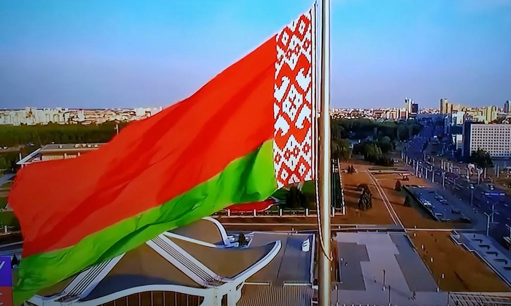 Weiß-rot-weiß statt rot-grün: Telegram schafft weißrussische Staatsflagge ab