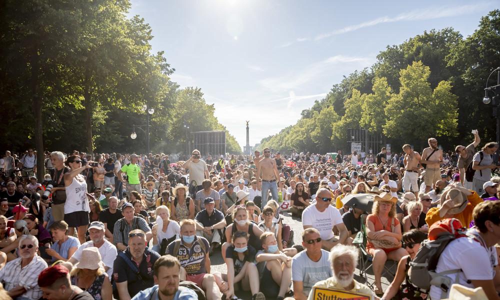 Berliner Corona-Protestverbot: Polizei spricht plötzlich von 30.000 Demonstranten am 1. August