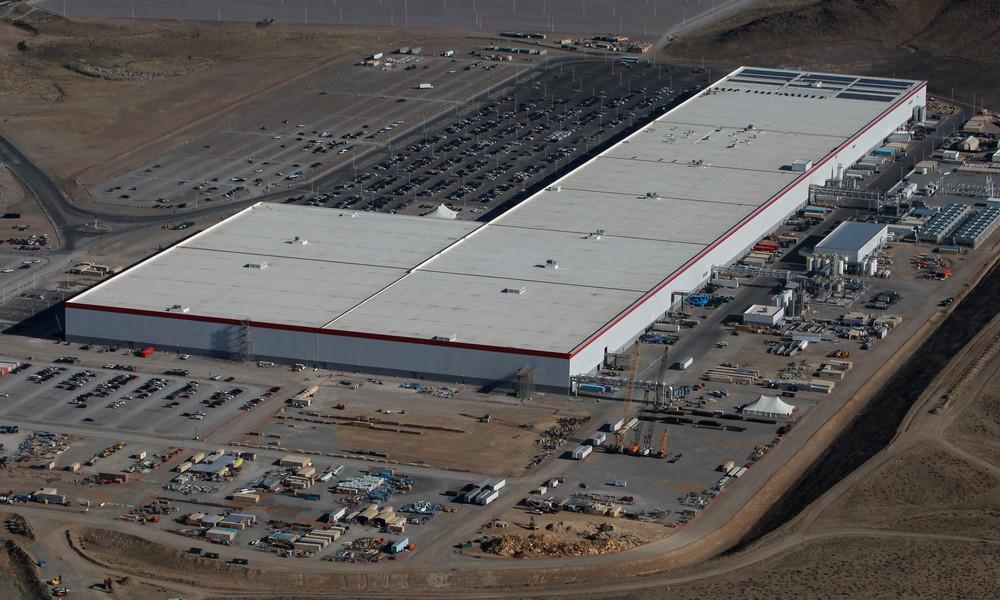 Russischer Hacker wegen geplanten Angriffs auf Tesla-Fabrik festgenommen – Elon Musk bedankt sich