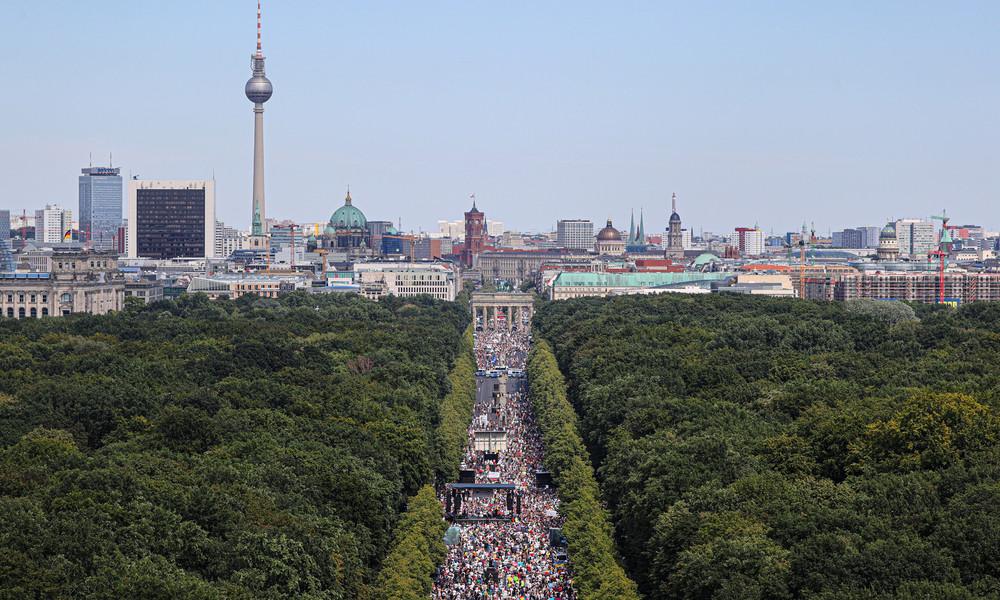 LIVE: Protest gegen die Corona-Politik in Berlin